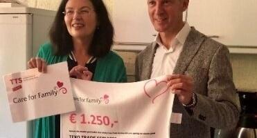 Nieuws afbeelding Cheque voor stichting Care for Family